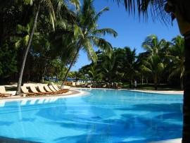 pool-633840_640